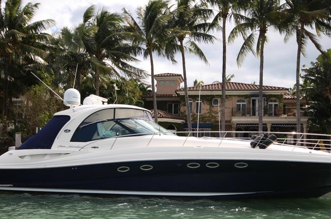 Privater Verleih der 15-m-Yacht Sea Ray in Cancún