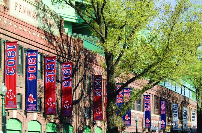 Excursão ao histórico Fenway Park, o adorado campo de beisebol dos americanos