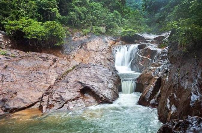 Trekking am Kong Koi Wasserfall