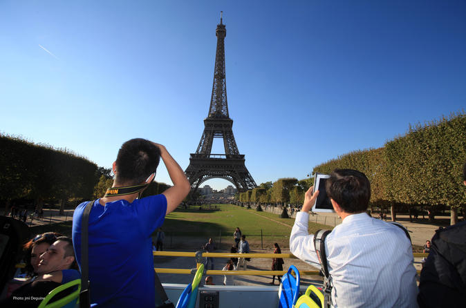 Paris Hop-On Hop-Off Combo: Sightseeing Bus and Seine River Cruise