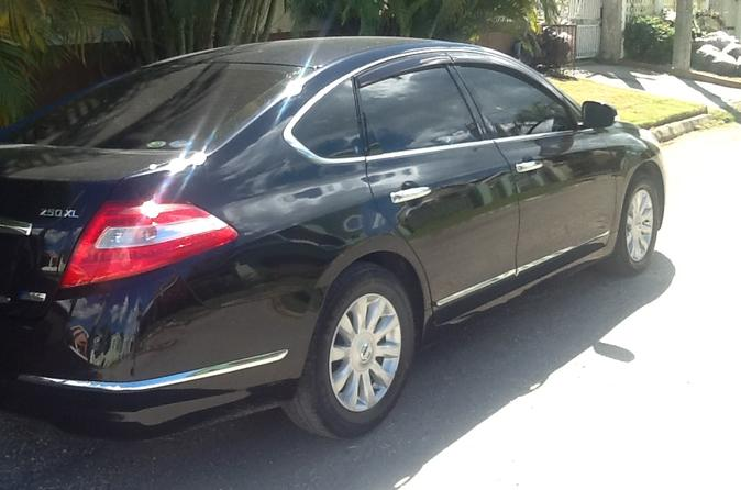 Private Car Round Trip Transfer Between MBJ Airport And Jewel Dunn's River Beach