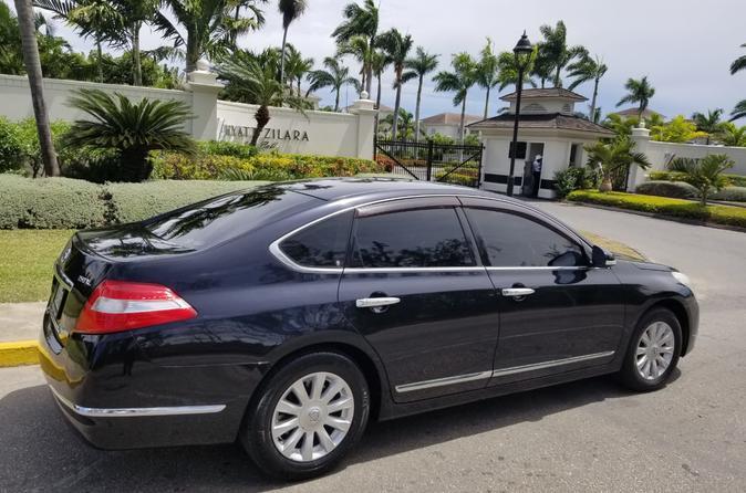 Private Luxury Sedan Round Trip Transfers Between Hyatt Zilara and MBJ Airport