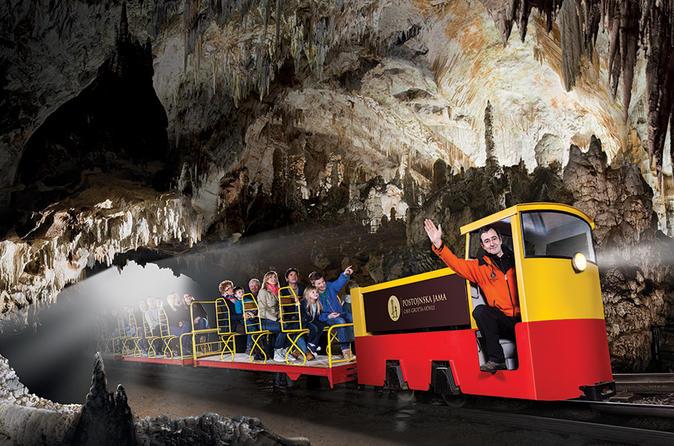 Postojna: Čarobna pećina 1-5-hour-skip-the-line-postojna-cave-tour-in-postojna-447029