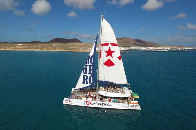 Luxury Catamaran Cruise Day Trip To La Graciosa - Lanzarote