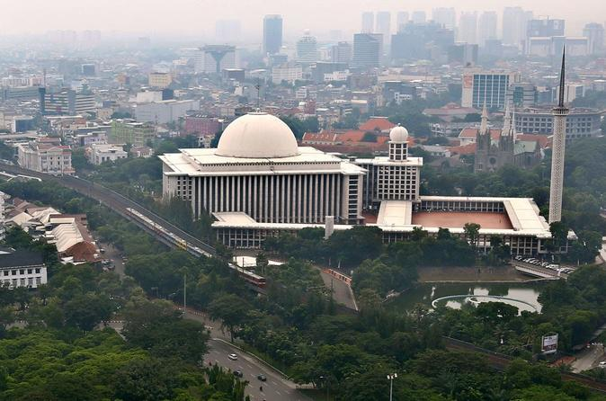 Private Tour: Half Day Jakarta Mosque and Church Tour""