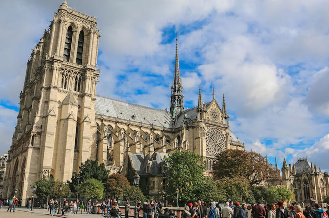 An afternoon in Paris: Notre Dame, Sainte Chapelle, River Cruise & Eiffel Tower