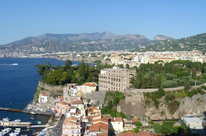 Transfer from Naples to Positano with stop in Sorrento