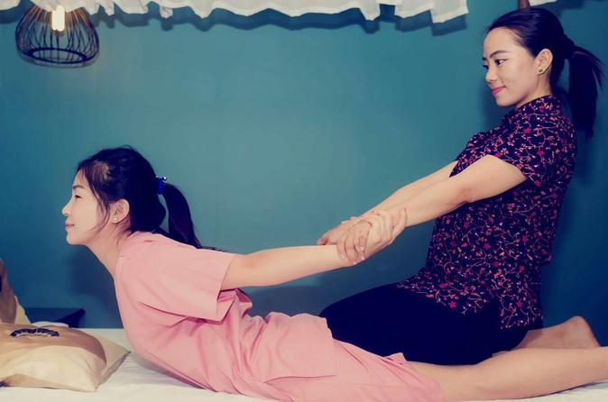 Relaxing Body and Foot Massage Treatment in Kuala Lumpur""