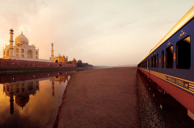 Private Full-Day Agra and Taj Mahal Tour by High-Speed Train with Meals