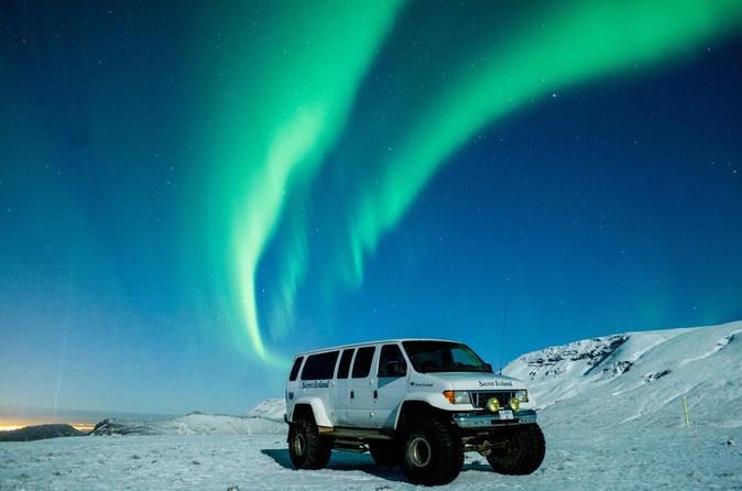 Private 4x4 Northern Lights Hunt from Reykjavík