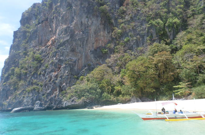 8-hour Beaches of El Nido Island Hopping Cruise with Buffet Lunch""