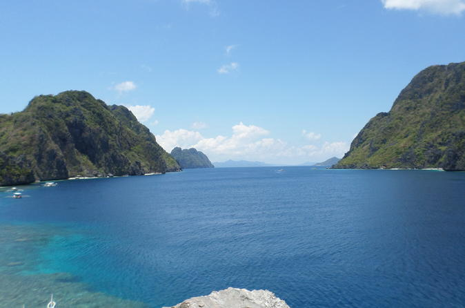 El Nido Island Hopping Private Tour With Buffet Lunch