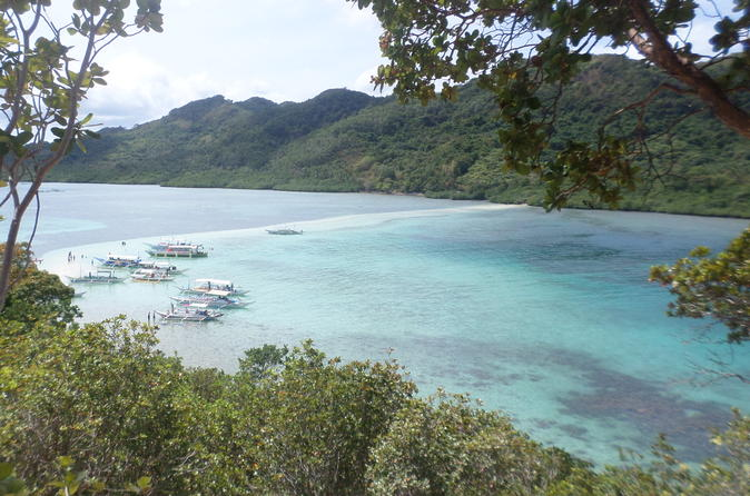 El Nido Island Hopping Tour: Lagoons and Beaches with Buffet Lunch""