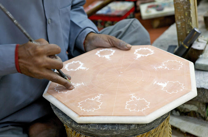 Hunt for the Best Souvenirs from Factories in Agra