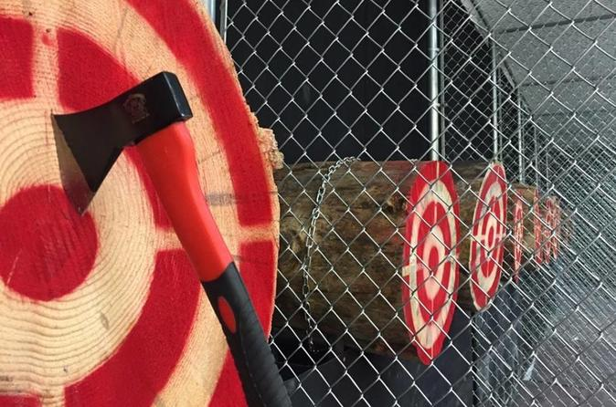 1- or 2-Hour Axe Throwing Experience in Las Vegas