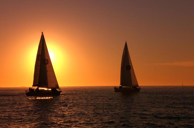 Excursão de barco no pôr do sol para grupos pequenos em San Diego