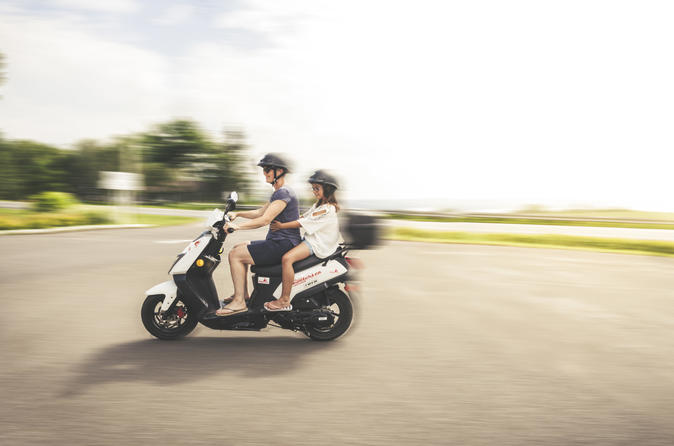 Scooter rental on Ile d'Orleans (for 1 or 2 people)