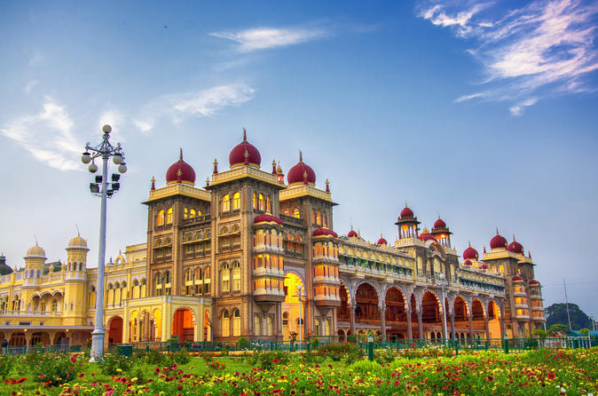 Mysore and the Fine Palace of Tipu Sultan with Private Transfer