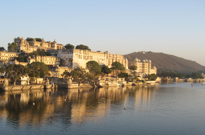Romantic Udaipur - A 2-night Excursion With Exclusive Boat Ride From Jodhpur Via Private Transfers