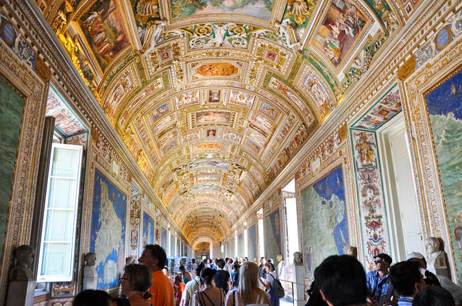 Skip the Line Vatican Tour: Vatican Museums, Sistine Chapel and St. Peter Basilica Image