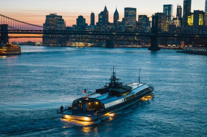 Bateaux Valentine S Day Fireworks Dinner Cruise 2019 New York City