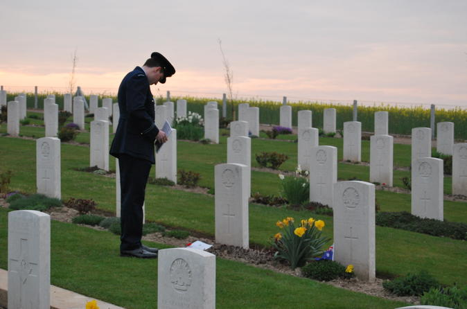 ANZAC Day Trip from Paris: Dawn Service at Villers-Bretonneux and WWI Somme Battlefields Tour