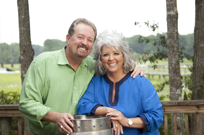 Paula Deen Tour: Trolley Ride and VIP Dinner at Lady & Sons