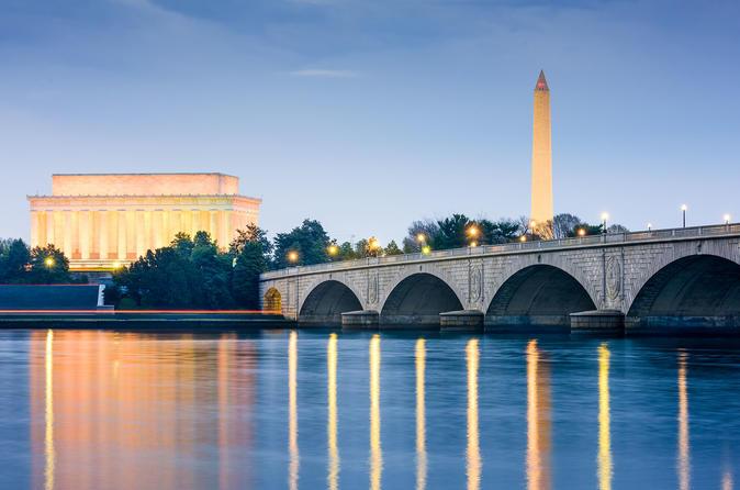 Excursão noturna de bonde pelos monumentos de Washington DC