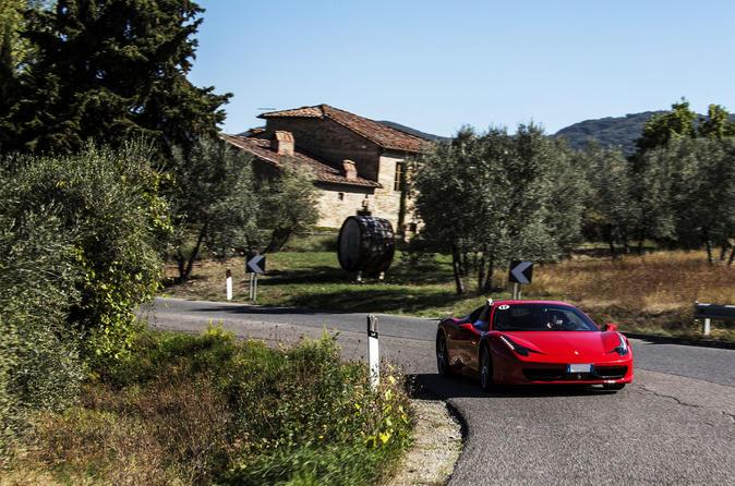 Excursion en Ferrari dans Florence: trajetVIP dans la campagne toscane