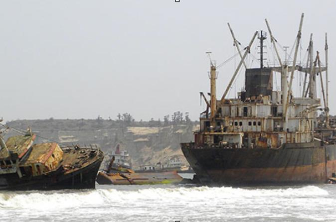 Day Tour from Luanda to Shipwreck Beach and Boat Graveyard