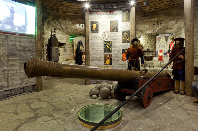 Private Tour- Tallinn old town with kids