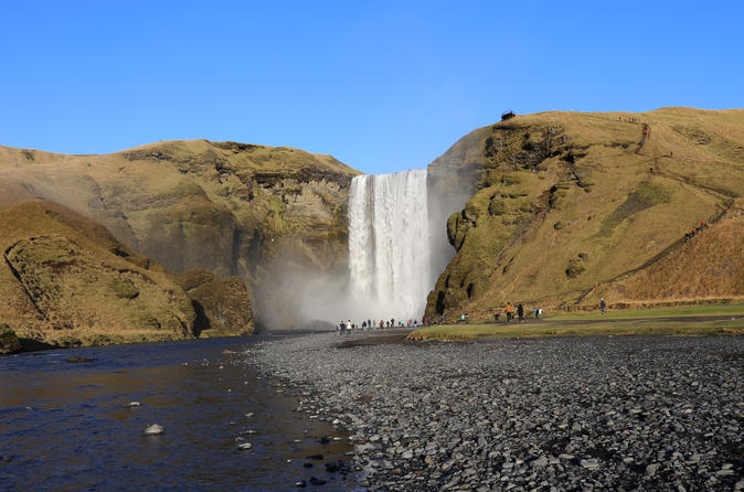 Private Superjeep Full-Day South Coast and Eyjafjallajokull Volcano Sights