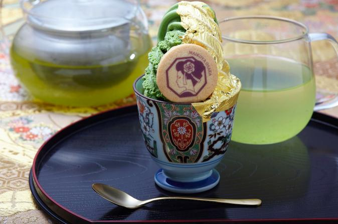 Eat Golden Ice Creaem Served by a Maiko