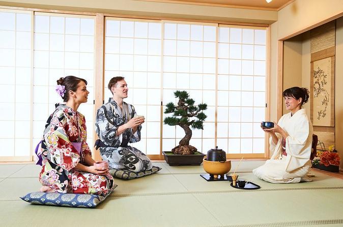 Experience Tea Ceremony wearing a Kimono in Osaka