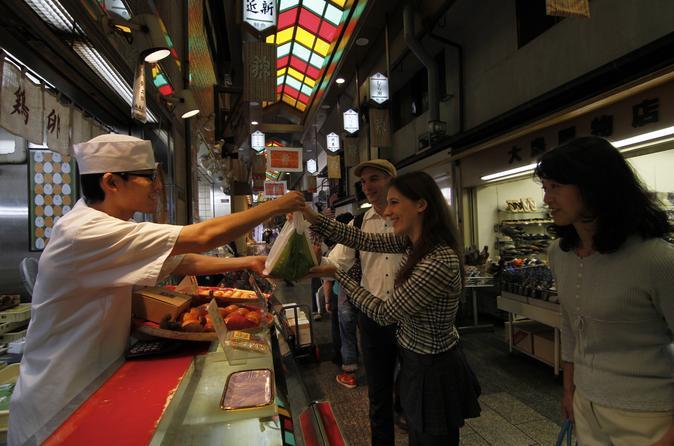 Excursão a pé ao Mercado Nishiki, Aula de culinária em Quioto e Degustação de saquê