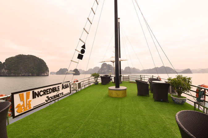 Halong Bay, Thien Cung Cave, Kayak & Lunch with Incredible Cruise