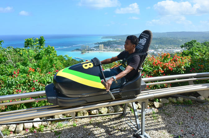 Excursão de Aventuras na floresta tropical da Jamaica e Bobsled na Montanha Mística