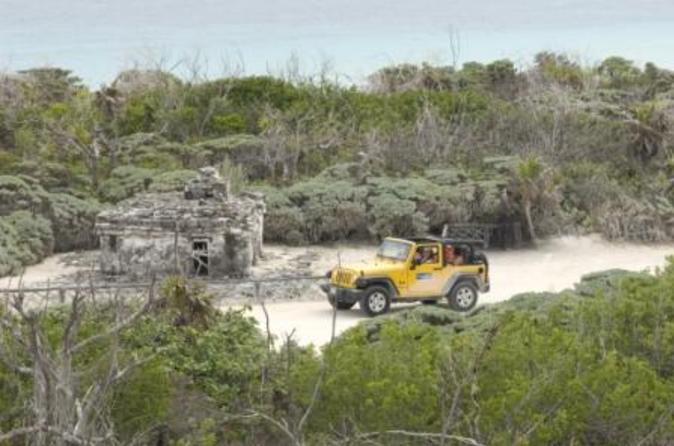 Cozumel Jeep and Snorkel Adventure Tour