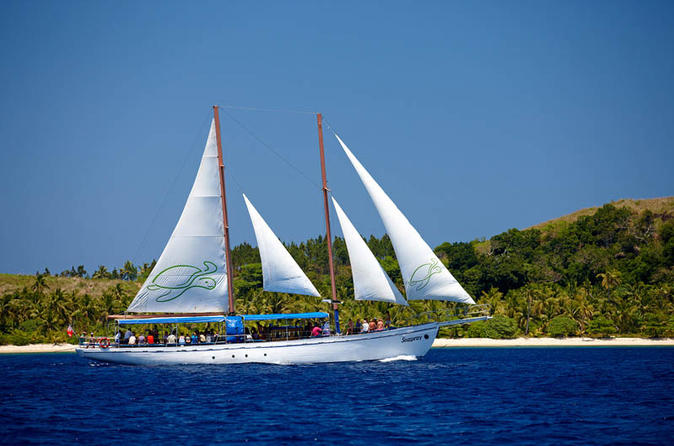 Fiji mamanuca islands sailing cruise including lunch in nadi 118286