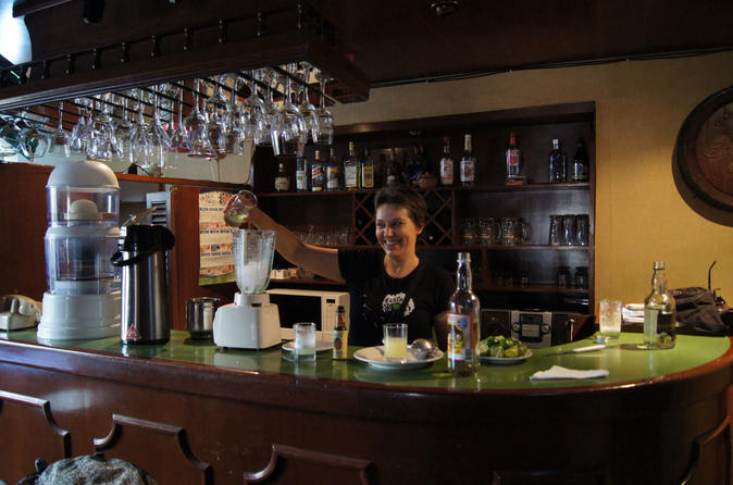 Cusco night walking tour and pisco sour lesson in cusco 150781