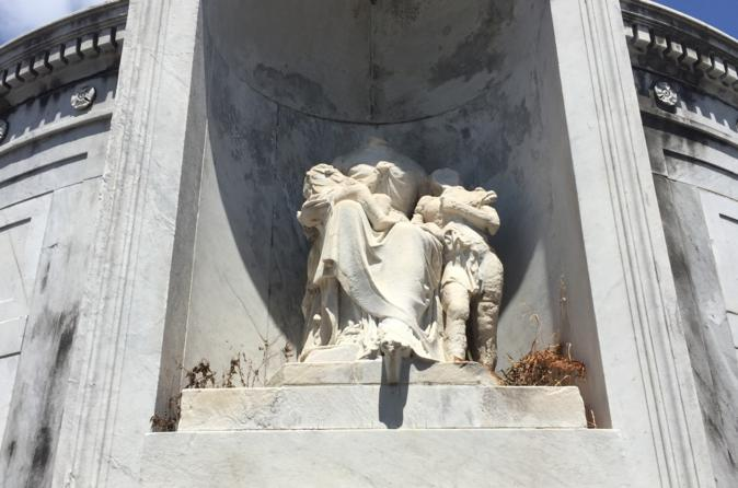 Private Tour of St Louis Cemetery Number 1 in  New Orleans