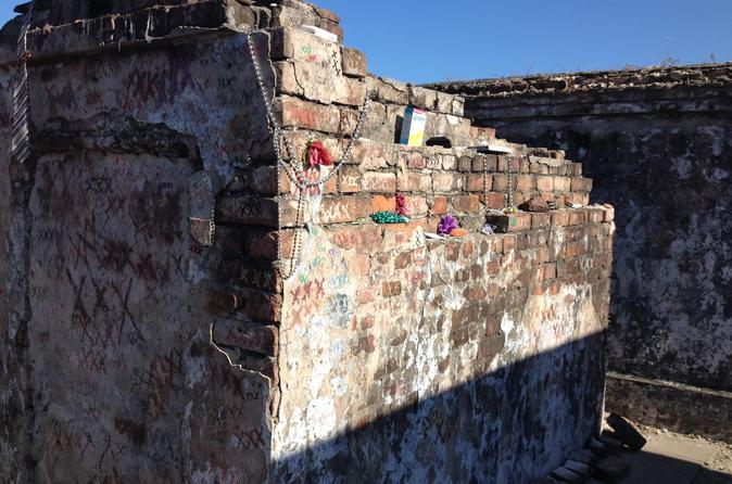 St Louis Cemetery of New Orleans Small-Group Storytelling Tour