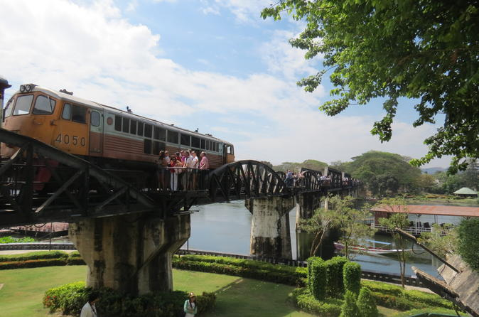 Private Tour to Bridge over River Kwai and Hellfire Pass incl trainride