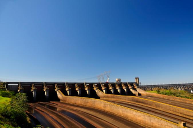 Excursão turística de dia inteiro no lado brasileiro das Cataratas do Iguaçu e à Hidrelétrica de Itaipu saindo de Puerto Iguazú