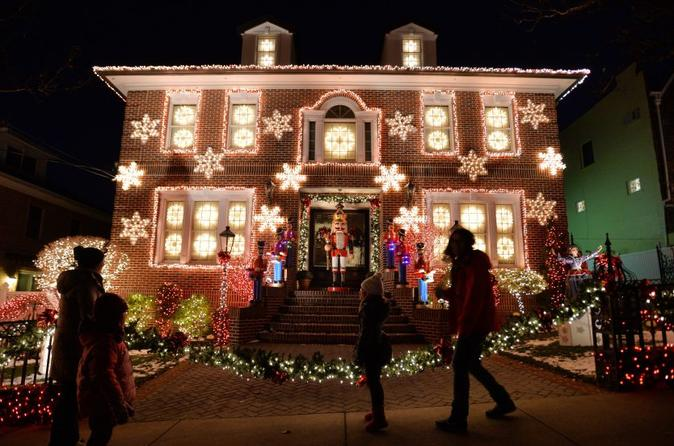 Brooklyn Christmas Lights Tour of Dyker Heights