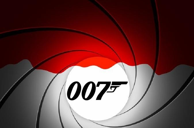 James Bond 007 The Ultimate Spies and Villains Taxi Tour