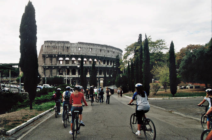 Rome City Bike Tour with Dutch-Speaking Guide