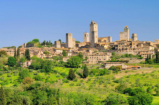 Excursion en bord de mer à Livourne : excursion privée d'une journée à Sienne et San Gimignano