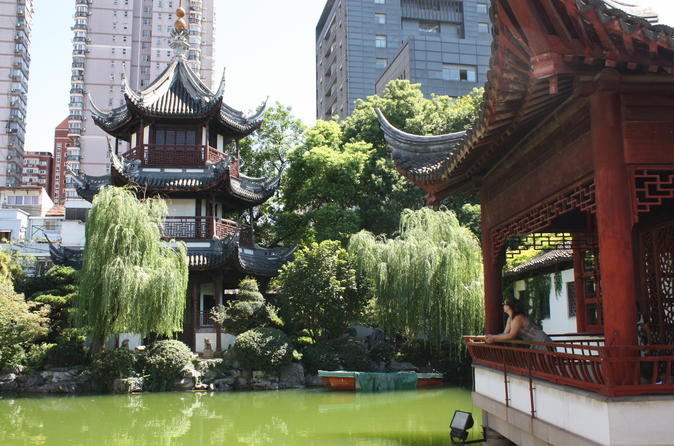 Old Shanghai Discovery Walking Tour with Tea Tasting at Confucius Temple
