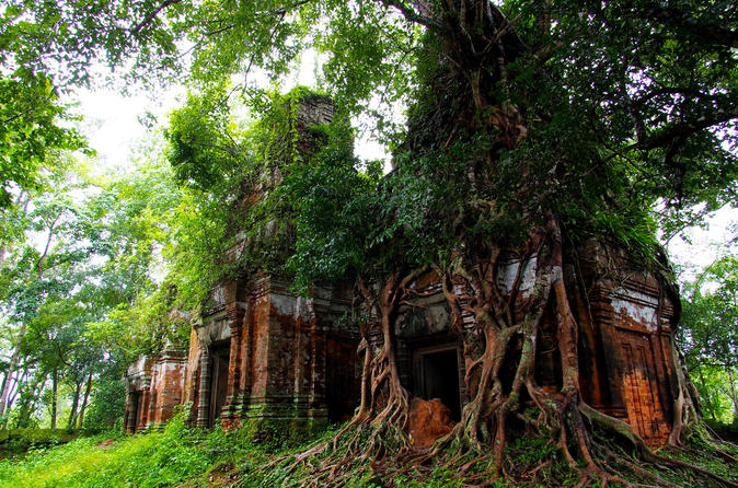 Three-Day Siem Reap temples and Waterfall Private tour from Siem Reap